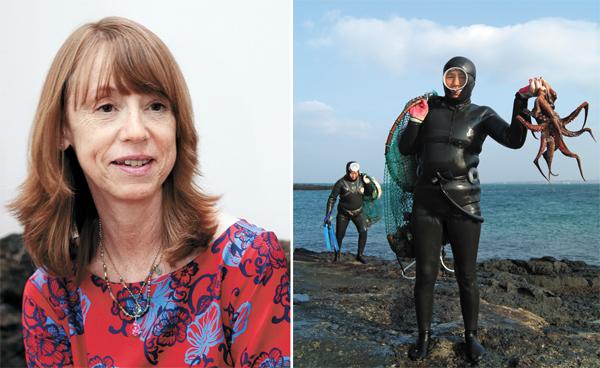 O romance de Lisa See (à esquerda) sobre as mergulhadoras da ilha de Jeju será publicado cerca de três anos depois de sua viagem até lá.