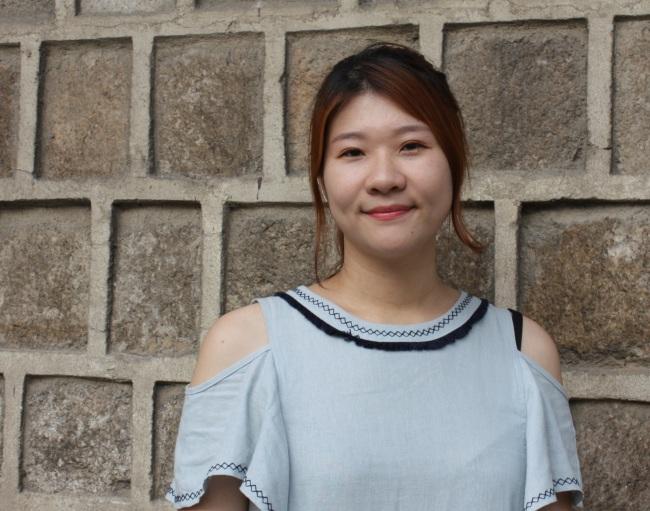 Autora Lee Jin-Song posa para o The Korea Herald. Foto: Claire Lee / The Korea Herald.