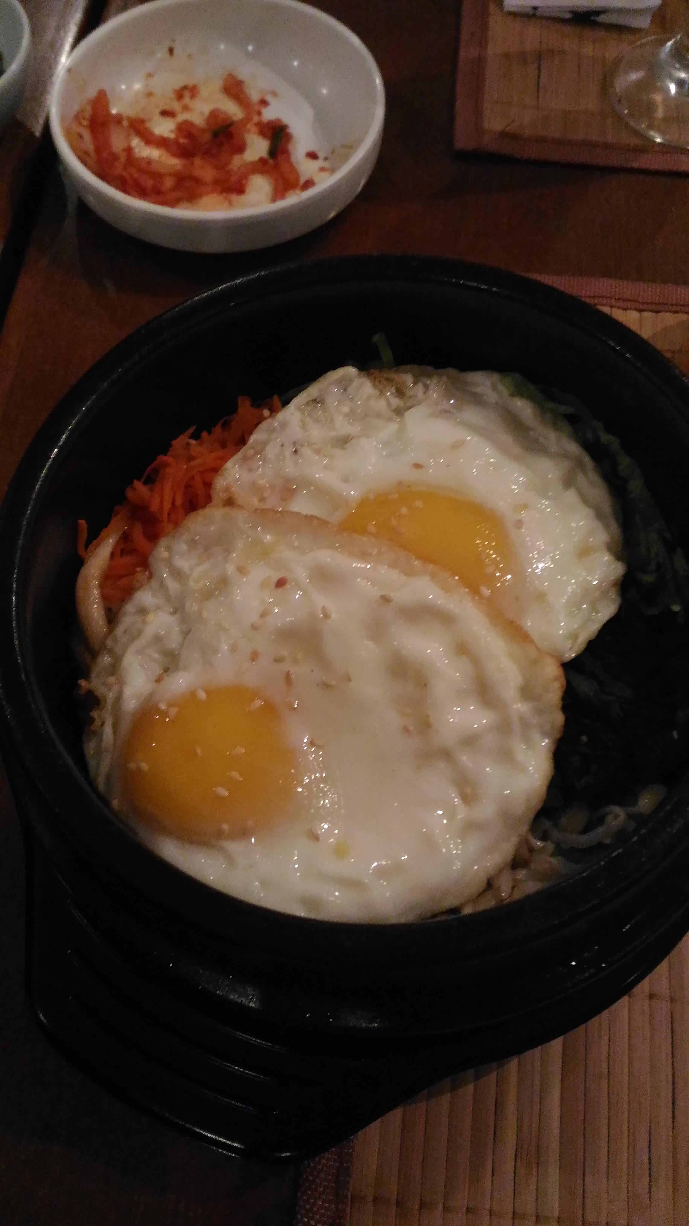 Dolsot BibimBap. Risoto coreano.