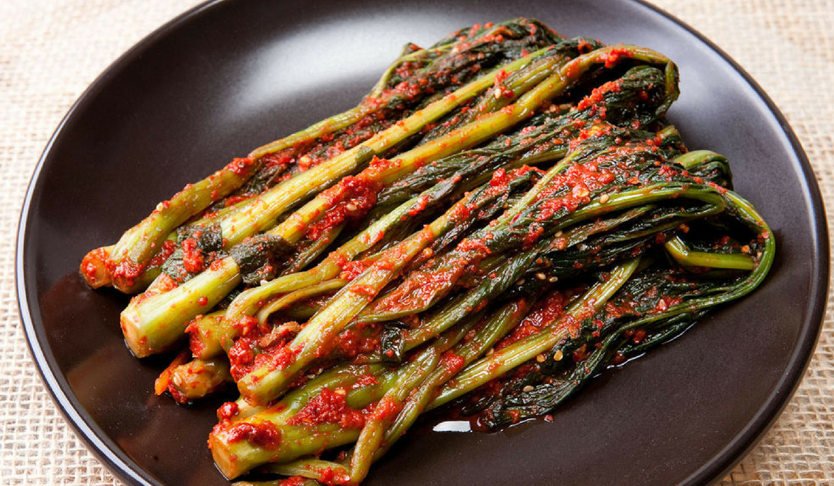 Kimchi feito com gakduggi. Imagem: Onggi Kimchi