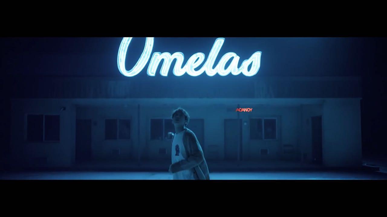 Jungkook encontra Omelas vazia, escura.