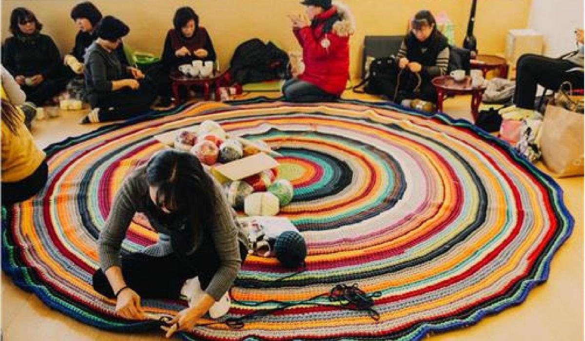 Mães Fazem Tricô Em Memória Das Crianças Da Sewol
