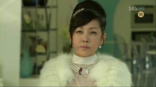 Park Joon Geum para a SBS.