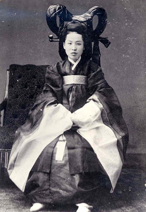 Diz-se que esta é uma foto real da Imperatriz Min em sua juventude. Foto: IMgur