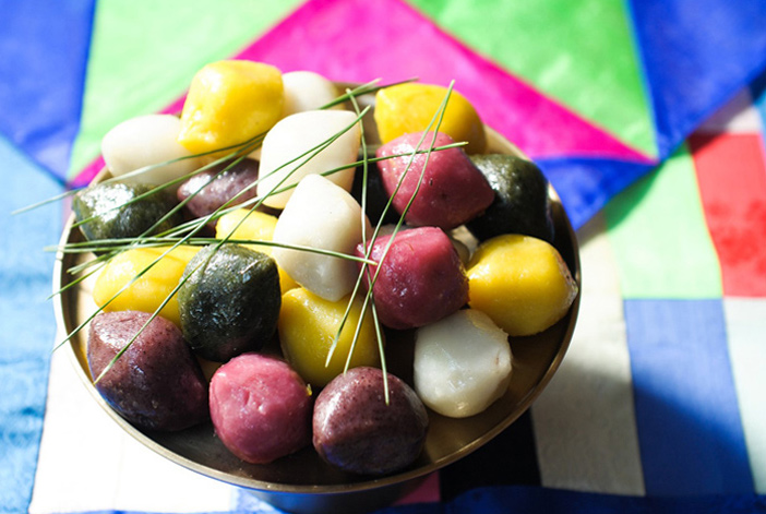 Songpyeon, bolo de arroz que representa Chuseok (Imagem: visitkorea.or.kr)