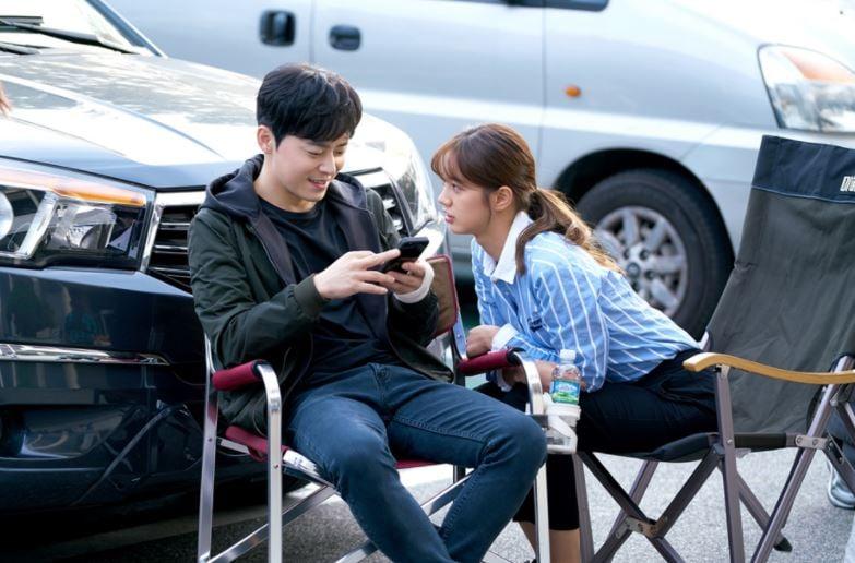 Jo Jung-Seok E Hyeri Nas Gravações De 'Two Cops'/ Foto: Mbc/ Soompi