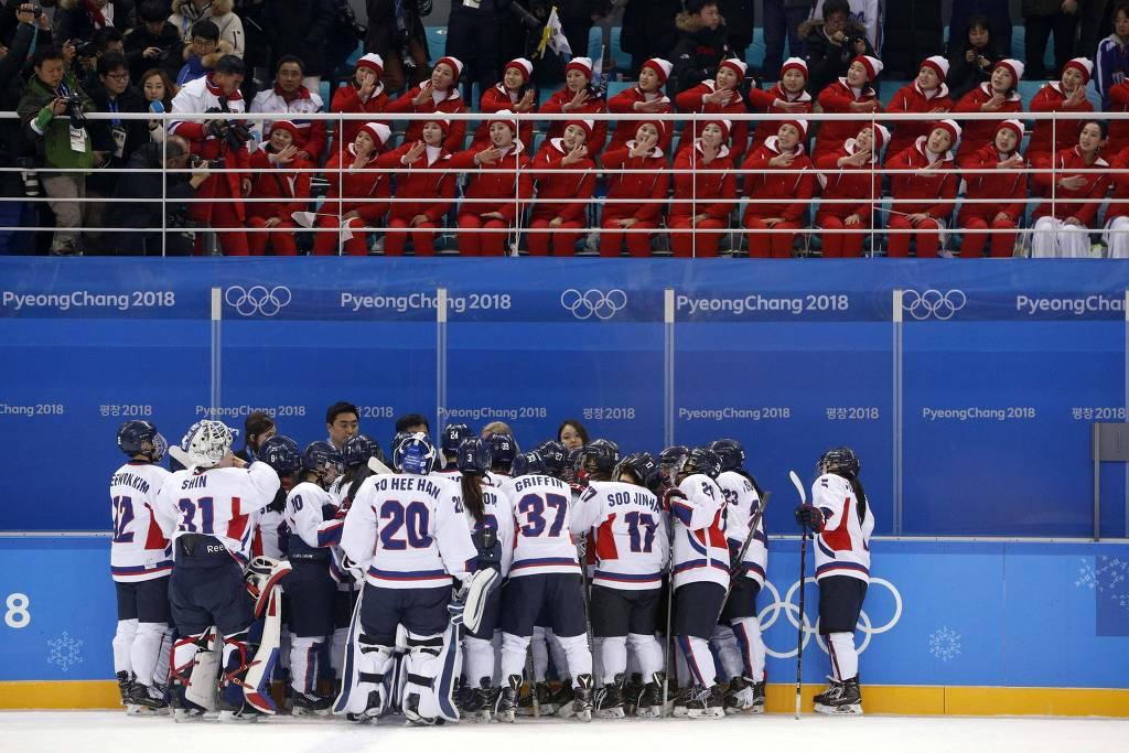 Time Unificado Da Coreia E Acima Podemos Ver As Cheerleaders Norte-Coreanas. Fonte: Globo