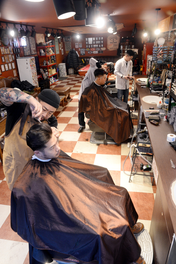 A barbearia Uncle Booth, em Yeongdeungpo (Park Hyun-koo / The Korea Herald)