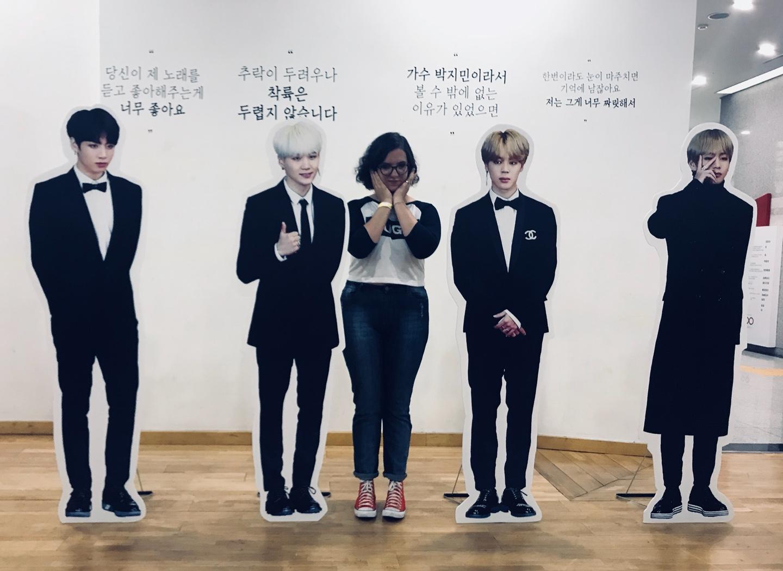 Finalmente pude comprovar que sou do mesmo tamanho do Yoongi.