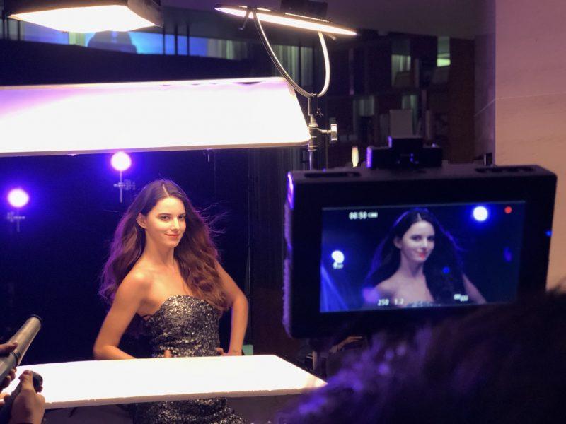 Jane no backstage para comercial de cosméticos. Seoul. Abril 2018. Foto: Arquivo Pessoal