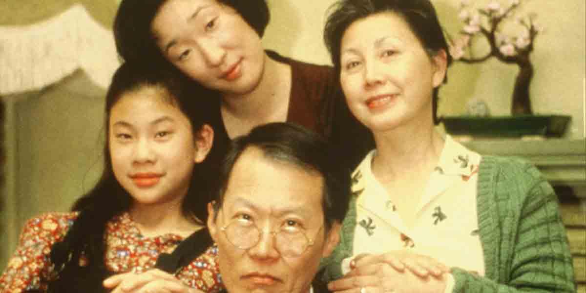 Em um dos seus primeiros trabalhos reconhecidos Sandra oh interpreta um jovem de família chinesa que se confronta com seguir os anseios da família, ou seus próprios desejos. Foto: Reel Canada.