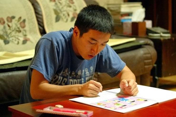 Cho Seung-woo vive o autista Cho-won em uma interpretação que consagrou a sua carreira. Foto: My Feeling Heart