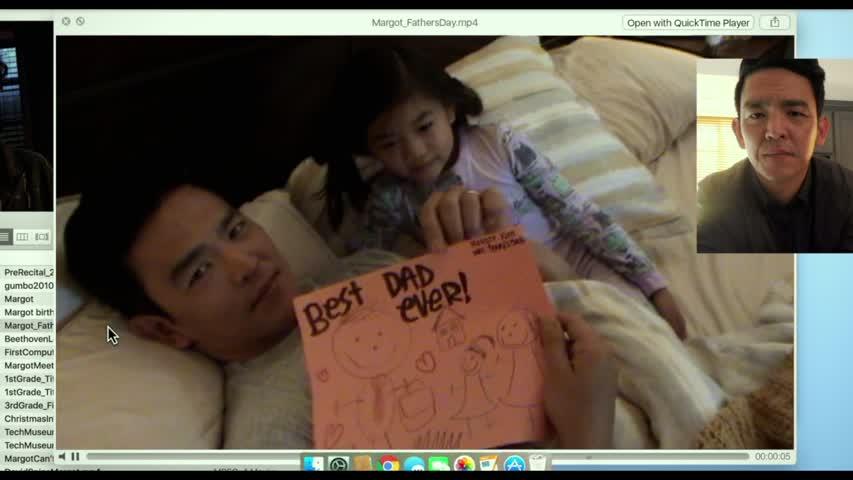 """Em """"Searching"""" , John Cho interpreta um pai viúvo em busca da filha desaparecida. Foto: 18P News Daily."""