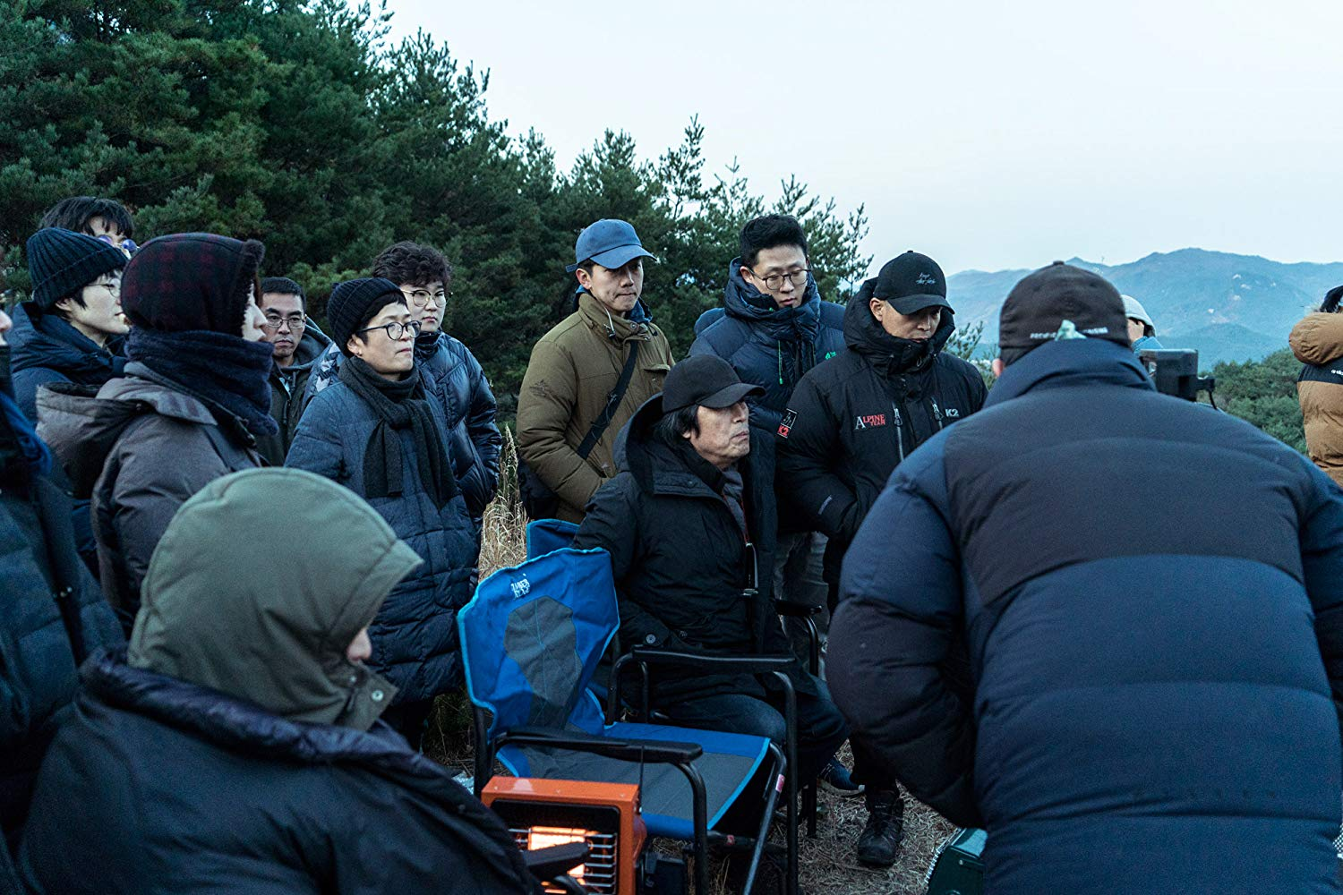 O diretor Chang-dong Lee no set de filmagem. Foto: IMDb.