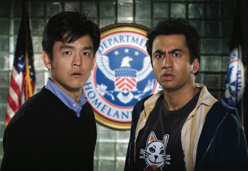 "Com o colega Kal Penn no filme ""Harold & Kumar"" Foto: GQ."