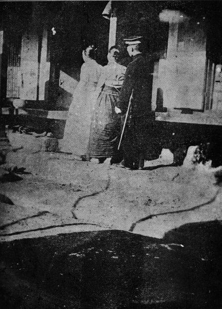 Movimento 1º de março - Mulheres sendo presas