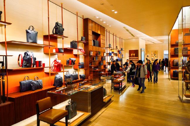Jovens Coreanos São Fortes Consumidores De Produtos De Luxo