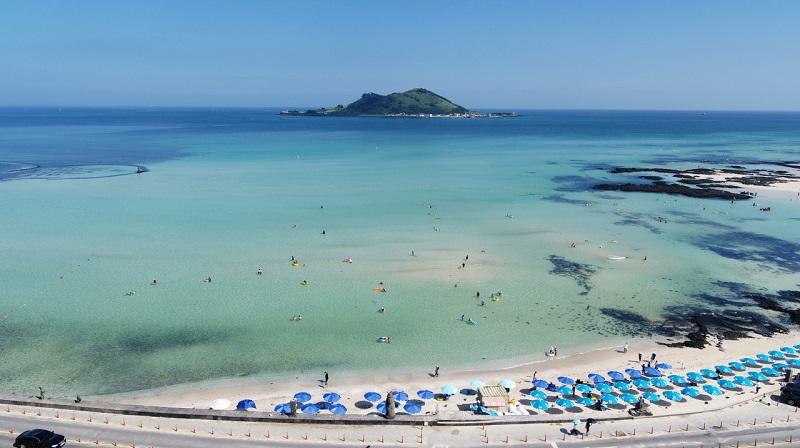 O Mar De Verão Da Ilha De Jeju